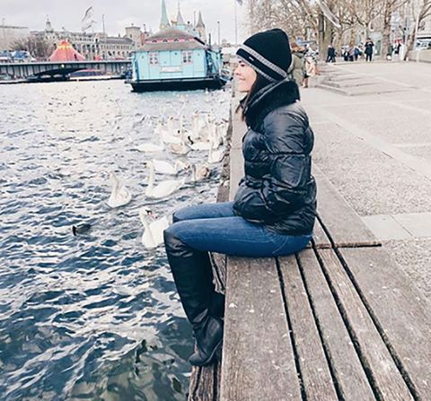 Water, Beauty, Sitting, Jeans, Fashion, Urban area, Leg, Street fashion, Jacket, Winter,