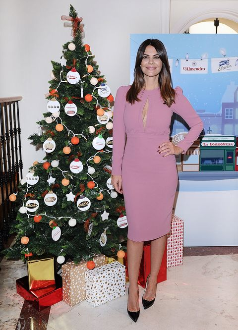 Christmas tree, Clothing, Red, Fashion, Christmas decoration, Dress, Pink, Shoulder, Event, Christmas,
