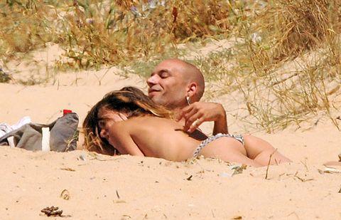 Sand, Brassiere, People in nature, Summer, Undergarment, Sun tanning, Interaction, Bikini, Vacation, Abdomen,