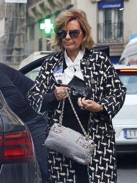 Eyewear, Sunglasses, Street fashion, Fashion, Clothing, Snapshot, Black-and-white, Outerwear, Glasses, Footwear,