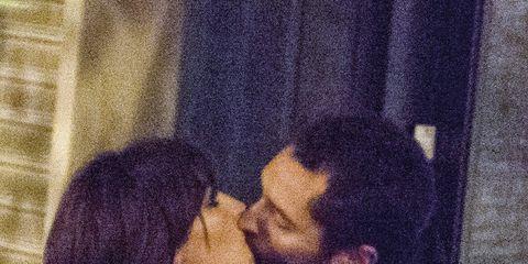 Romance, Kiss, Interaction, Love, Black hair, Hug, Gesture,