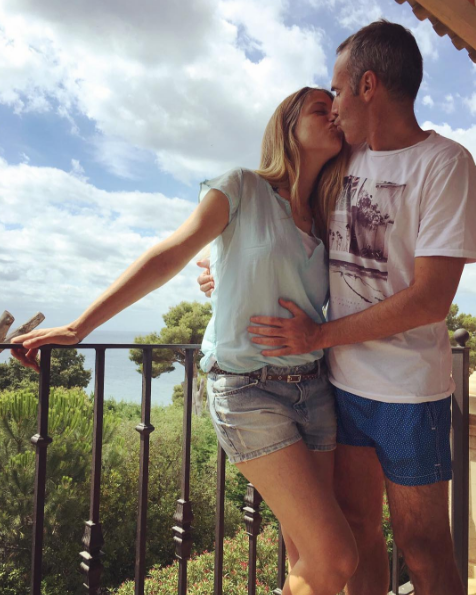 Denim, jean short, Jeans, Summer, People in nature, Interaction, Shorts, Kiss, Romance, Beauty,