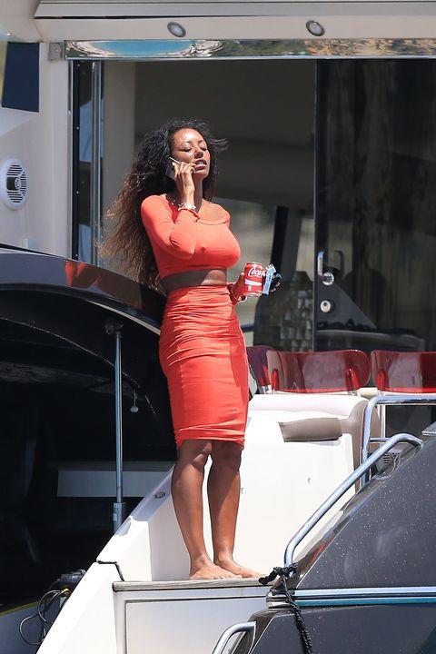 Model, Fashion, Beauty, Shoulder, Dress, Vehicle, Leg, Automotive design, Photo shoot, Muscle,