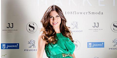 Dress, Hairstyle, Sleeve, Shoulder, Style, One-piece garment, Formal wear, Cocktail dress, Logo, Waist,