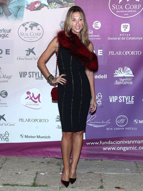 Dress, Clothing, Cocktail dress, Little black dress, Shoulder, Fashion, Joint, Footwear, Fashion design, Magenta,