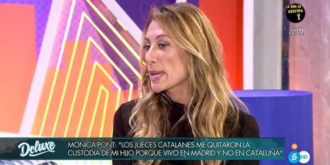 Hair, Blond, Television presenter, Chin, News, Long hair, Newscaster, Hair coloring, Newsreader, Spokesperson,
