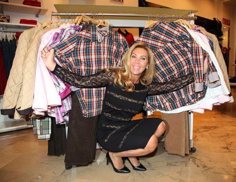 Sleeve, Plaid, Textile, Tartan, Pattern, Fashion, Clothes hanger, Retail, Design, Fashion design,