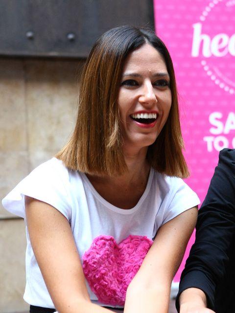 Pink, Long hair, Smile, Brown hair, Sitting,