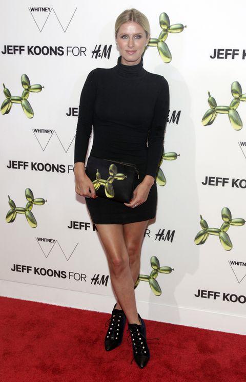 Green, Sleeve, Shoulder, Joint, Dress, Style, Waist, Knee, Fashion, Little black dress,