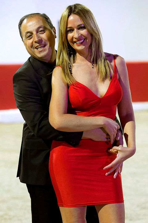 Smile, Red, Dress, Happy, Facial expression, Waist, Cocktail dress, Thigh, Strapless dress, Blond,