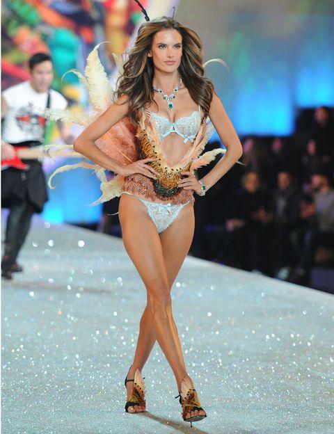 Human, Human leg, Fashion show, Fashion model, Runway, Waist, Thigh, Fashion, Model, Abdomen,