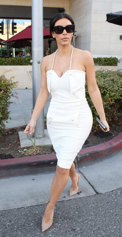 Clothing, Eyewear, Glasses, Human leg, Shoulder, Goggles, Joint, Sunglasses, White, Dress,