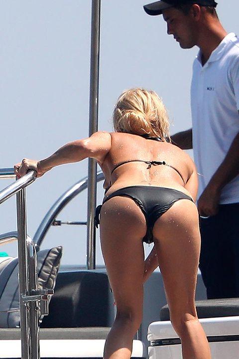 Bikini, Undergarment, Clothing, Swimwear, Leg, Vacation, Blond, Muscle, Thigh, Sun tanning,