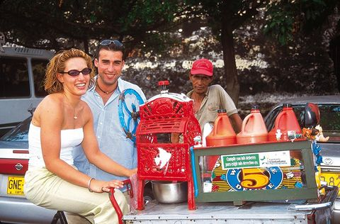 Hot dog stand, Vacation, Summer, Vehicle, Leisure, Tourism, Sunglasses, Hawker, Street, Fashion accessory,