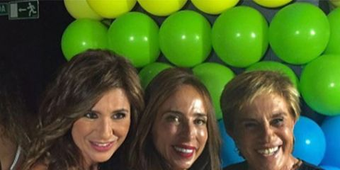 Face, Smile, Fun, Party supply, Balloon, Happy, Facial expression, Party, Friendship, Blond,