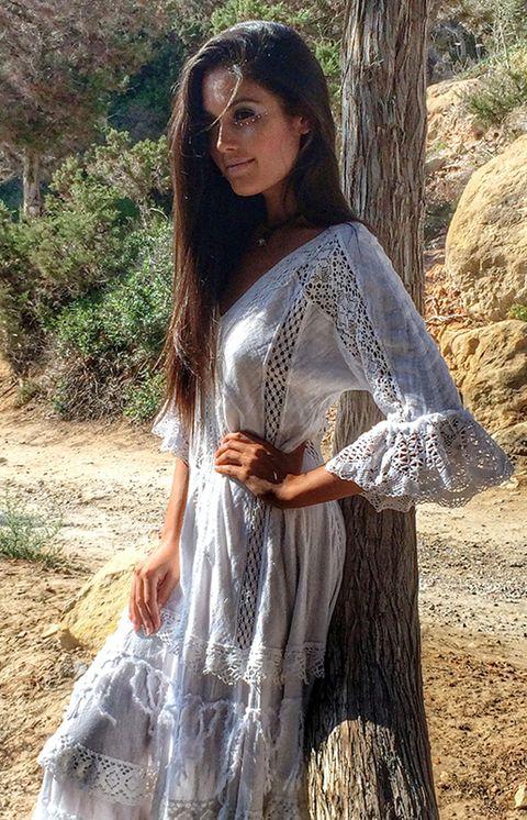 Sleeve, Dress, Beauty, Long hair, Sunlight, Model, Day dress, Fashion model, Spring, Fawn,