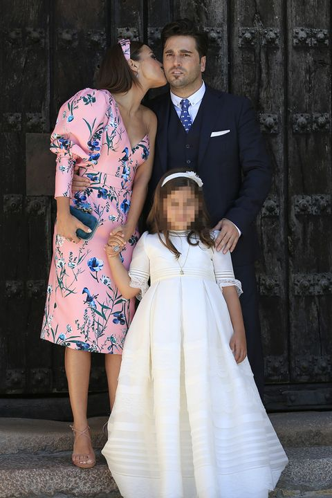 Photograph, White, People, Dress, Gown, Formal wear, Standing, Child, Fashion, Ceremony,
