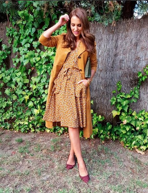 Clothing, Sleeve, Human body, Dress, One-piece garment, Street fashion, People in nature, Day dress, Pattern, Groundcover,
