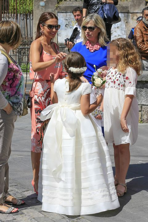 Dress, Child, Ceremony, Event, Gown, Wedding dress, Wedding, Bride, Bridal clothing, Tradition,