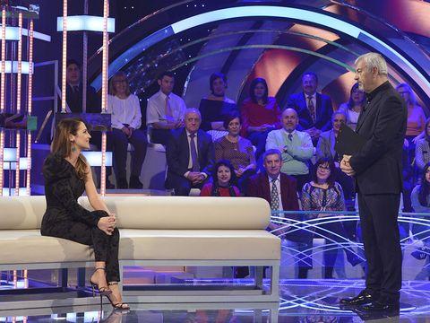 Stage, Purple, Electric blue, Couch, Television program, Majorelle blue, Television studio, Engineering, Television presenter, studio couch,