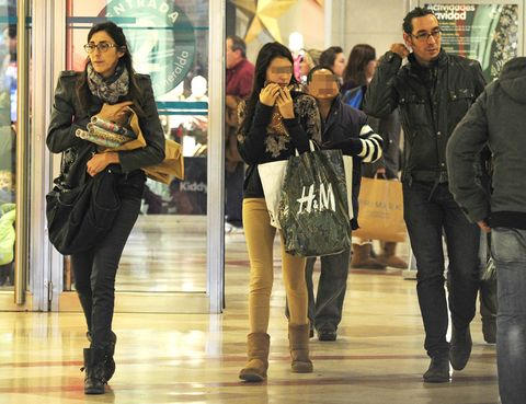 Clothing, Leg, Coat, Jacket, Trousers, Jeans, Bag, Outerwear, Winter, Luggage and bags,
