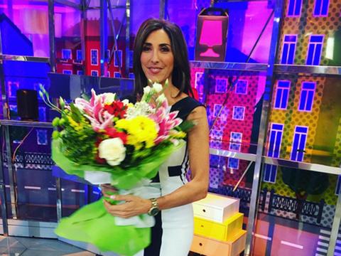 Bouquet, Flower, Purple, Cut flowers, Floristry, Flower Arranging, Electric blue, Box, Shelf, Majorelle blue,