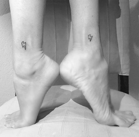 Finger, Skin, Human leg, Toe, Wrist, Joint, Barefoot, Style, Foot, Monochrome photography,