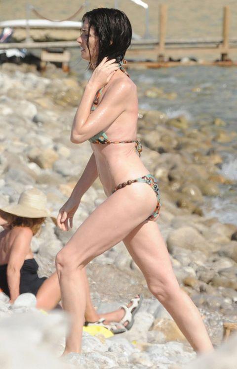 Human leg, Brassiere, Summer, Bikini, Hat, Undergarment, Swimsuit top, Swimsuit bottom, Thigh, Abdomen,