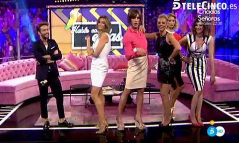 Leg, Fun, People, Entertainment, Dress, Thigh, Fashion, Public event, Stage, Television program,