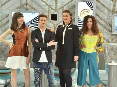 Leg, Trousers, Coat, Shirt, Jeans, Outerwear, Suit trousers, Suit, Dress, Tie,
