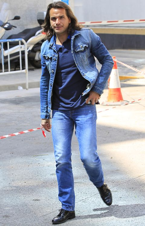 Clothing, Blue, Jacket, Denim, Sleeve, Trousers, Jeans, Textile, Outerwear, Style,