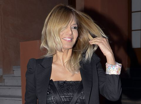 Hair, Blond, Beauty, Hairstyle, Long hair, Material property, Layered hair, Brown hair, Photography, Formal wear,