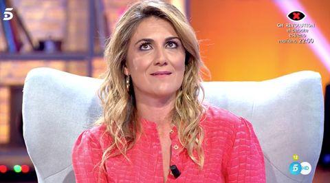 Blond, Television presenter, Lip,