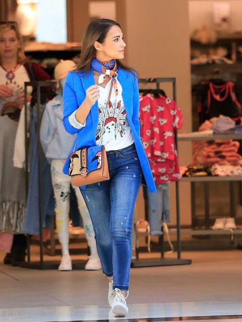 Clothing, Fashion model, Fashion, Fashion show, Street fashion, Denim, Jeans, Fashion design, Event, Outerwear,