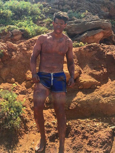 Human leg, Chest, Barechested, Soil, Shorts, Trunk, People in nature, Abdomen, Muscle, Thigh,