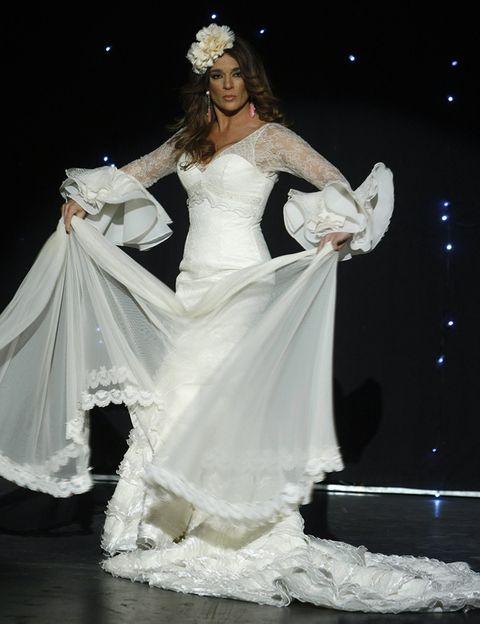 Gown, Formal wear, Dress, Wedding dress, Costume design, Fashion, Bridal clothing, Headpiece, Bride, Haute couture,