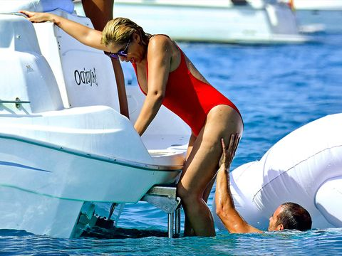 Water transportation, Vacation, Recreation, Leisure, Fun, Vehicle, Boat, Boating, Swimwear, Sun tanning,