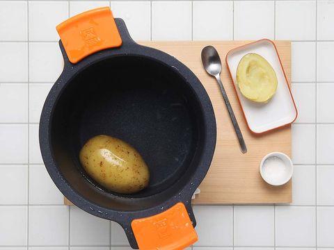 Food, Frying pan, Dish, Ingredient, Cuisine, Cookware and bakeware, Breakfast, Comfort food,
