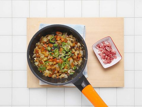 Food, Cuisine, Cookware and bakeware, Recipe, Dish, Produce, Bowl, Meal, Cooking, Frying pan,