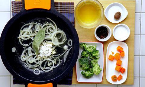Dish, Cuisine, Food, Ingredient, Soba, Udon, Comfort food, Meal, Noodle, Lunch,
