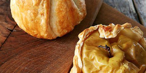Dish, Food, Cuisine, Ingredient, Choux pastry, Gougère, Baked goods, Produce, Dessert, Profiterole,