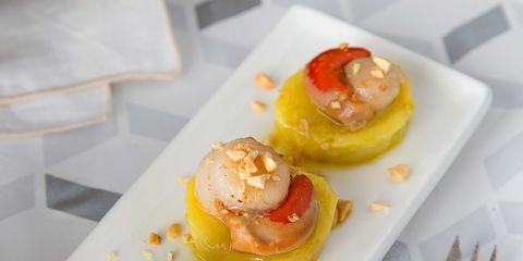 Dish, Food, Cuisine, Ingredient, Hors d'oeuvre, Produce, Finger food, À la carte food, Canapé, appetizer,