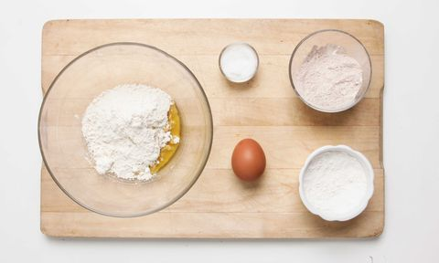 Flour, Ingredient, Powder, Corn starch, Whole-wheat flour, Bread flour, All-purpose flour, Rice flour, Chemical compound, Wheat flour,