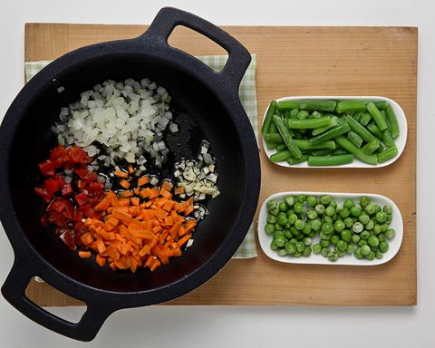 Food, Ingredient, Cookware and bakeware, Produce, Vegetable, Bowl, Recipe, Dishware, Whole food, Cuisine,