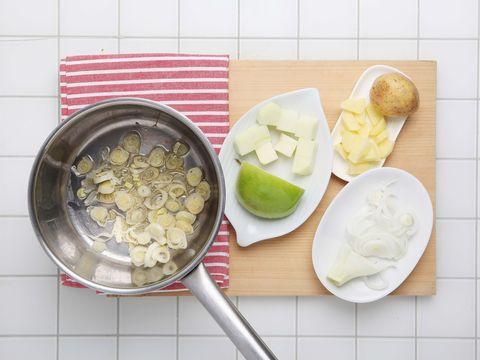 Food, Produce, Ingredient, Tableware, Dishware, Fruit, Kitchen utensil, Plate, Serveware, Cutting board,