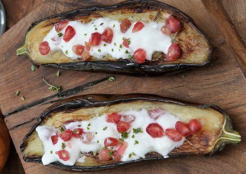 Receta: Berenjenas rellenas con salsa de yogur