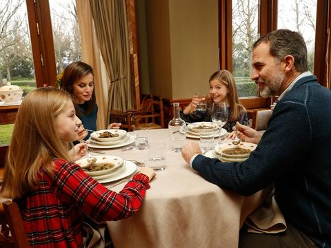 Table, Dishware, Curtain, Furniture, Cuisine, Plaid, Meal, Tartan, Tableware, Sharing,
