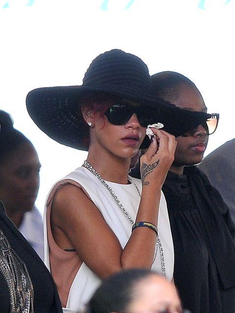 Eyewear, Cool, Hat, Sunglasses, Fedora, Sun hat, Fashion accessory, Headgear, Black hair, Event,