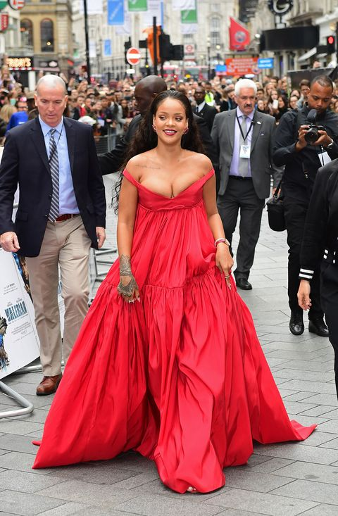 Dress, Gown, Clothing, Red, Shoulder, Fashion, Event, Strapless dress, Premiere, Formal wear,