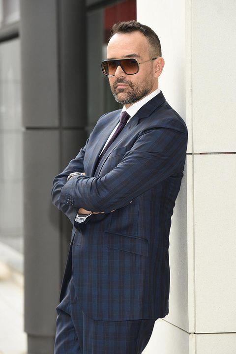 Suit, Blazer, White-collar worker, Formal wear, Street fashion, Outerwear, Businessperson, Fashion, Eyewear, Tuxedo,